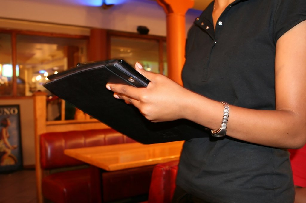 Top Trade and Tech Schools in Applebee's Hostess