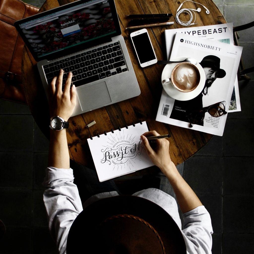 Graphic Designer work hours